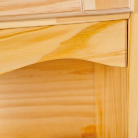 Dettaglio cornice credenza con vetrina provenzale in legno naturale chiaro