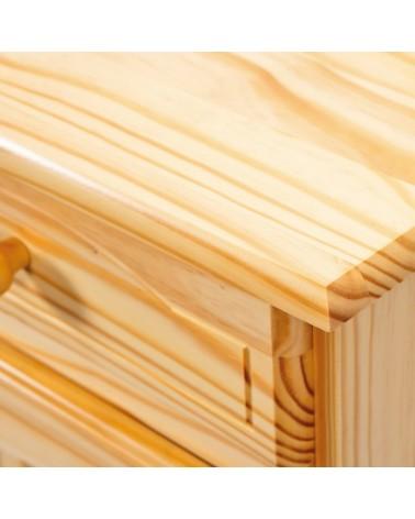 Dettaglio credenza con vetrina provenzale in legno chiaro naturale