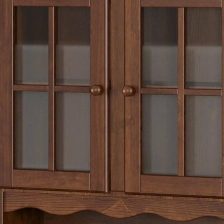 Dettaglio ante vetrina e cornice lavorata della vetrina provenzale in legno - finitura noce