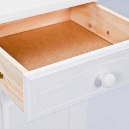 dettaglio cassetto aperto credenza bianca in legno Provenzale