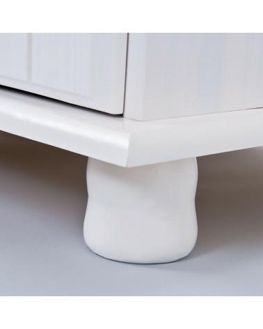 dettaglio piedino stilizzato credenza bianca in legno Provenzale 2 ante