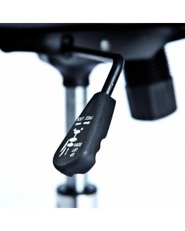 dettaglio leva Poltrona da Ufficio Firenze ergonomica con braccioli in pelle sintetica nera