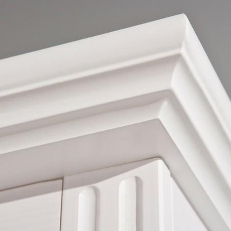 Dettaglio cornice armadio Dana 2 ante bianco in legno